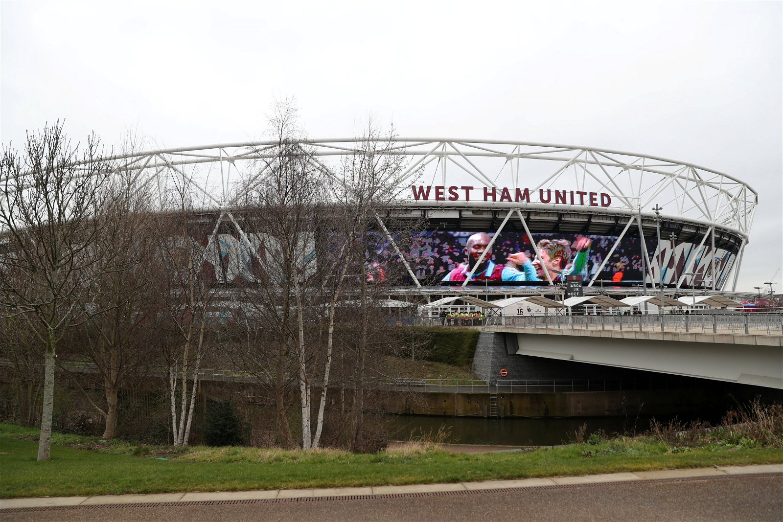 West Ham prove looking up is better than looking down