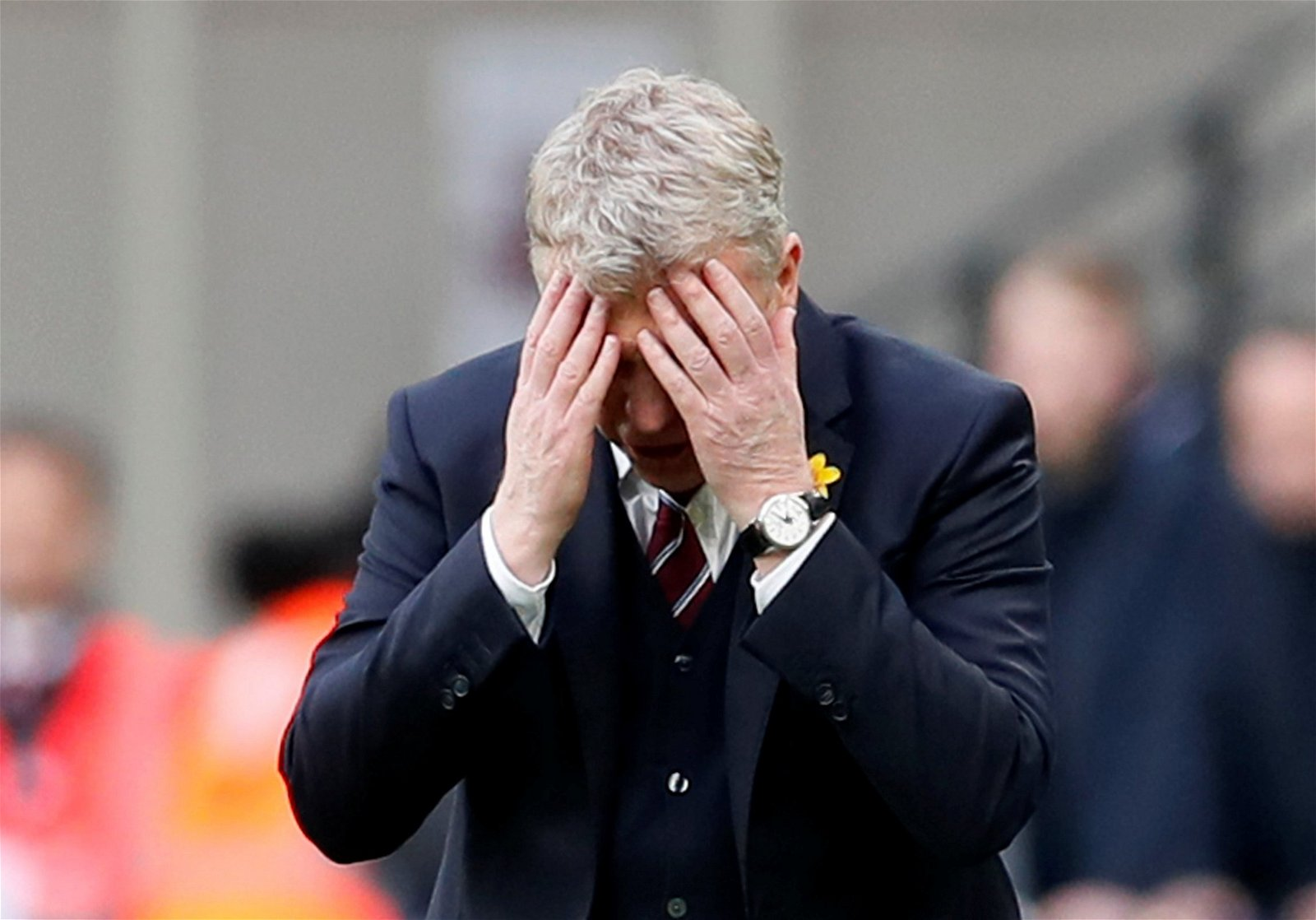 West Ham manager David Moyes puts his head in his hands