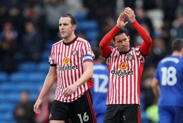 Sunderland fans delighted with form of Bryan Oviedo