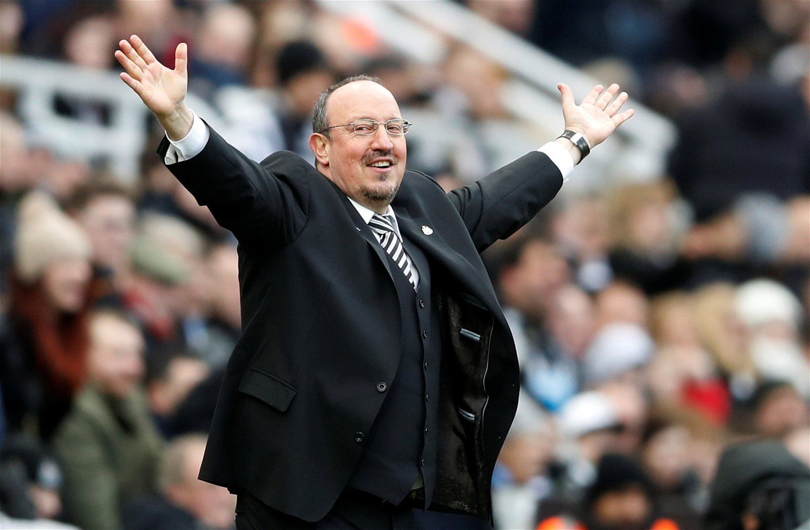 Rafa Benitez issues Mike Ashley with an ultimatum ahead of crucial Premier League run-in
