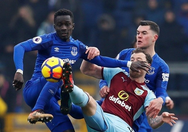 Gueye faces three weeks out for Everton with muscle tear