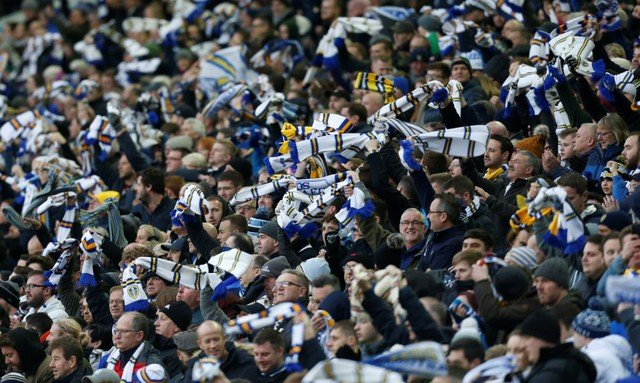 Leeds fans react to Kamwa deal