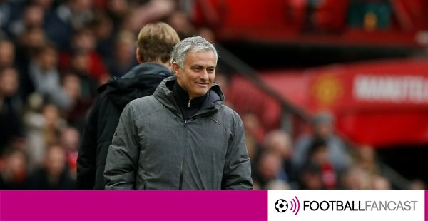 Manchester-united-manager-jose-mourinho-on-the-touchline-600x310