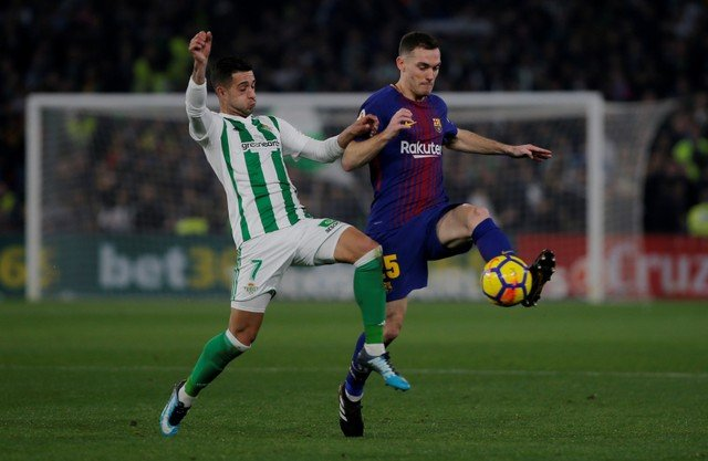 Vermaelen could be perfect short-term option for Everton