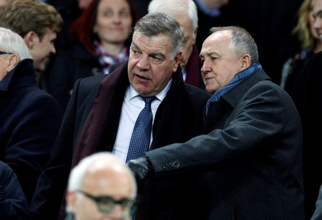 Everton fans want rid of Walsh after Brands links