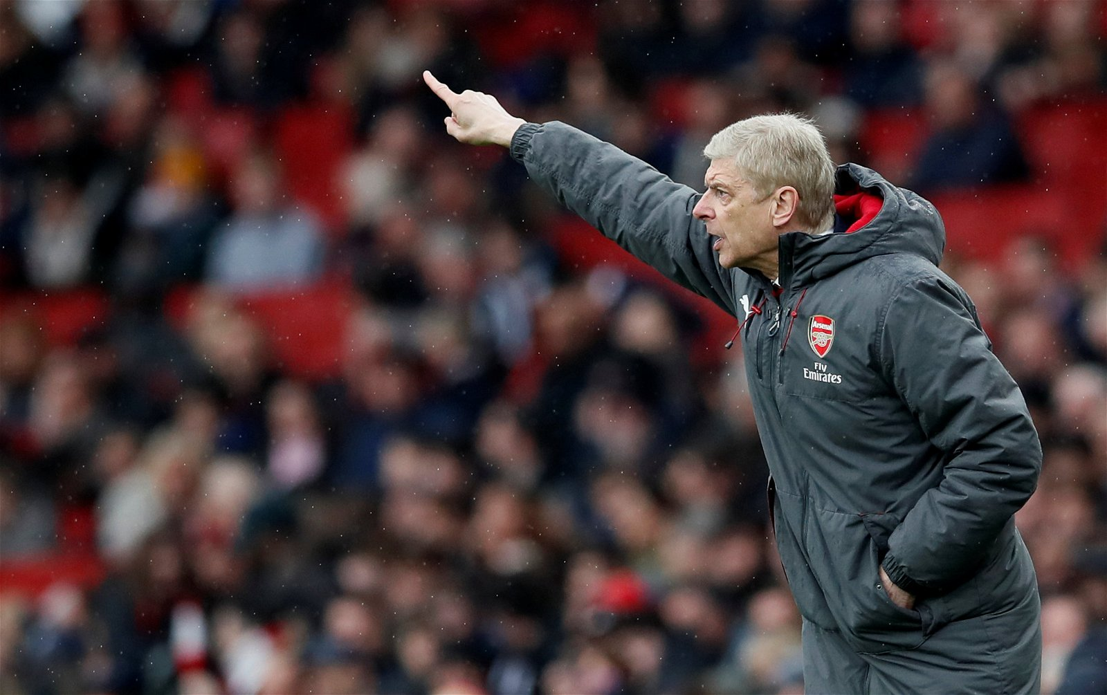 Arsene Wenger shouts instructions to his Arsenal players in Premier League match against Southampton