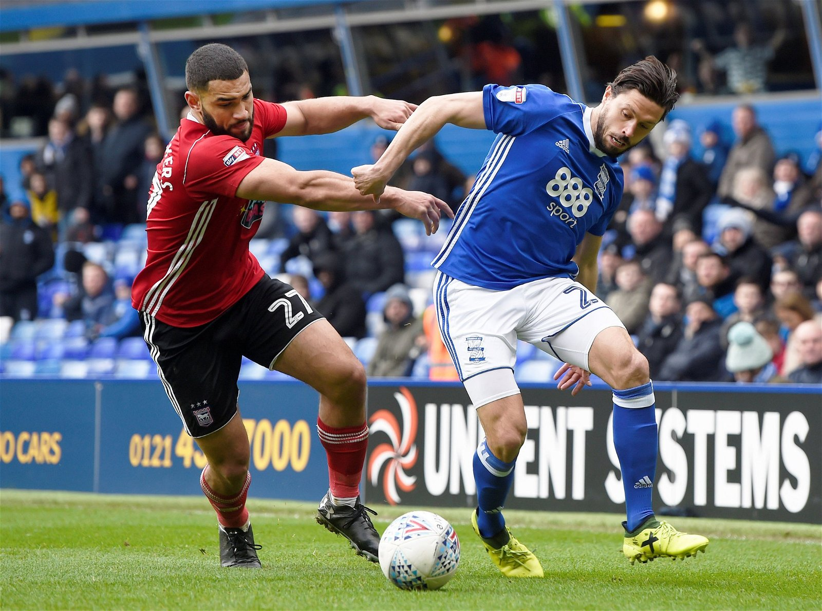 Cameron Carter-Vickers wrestles for the ball
