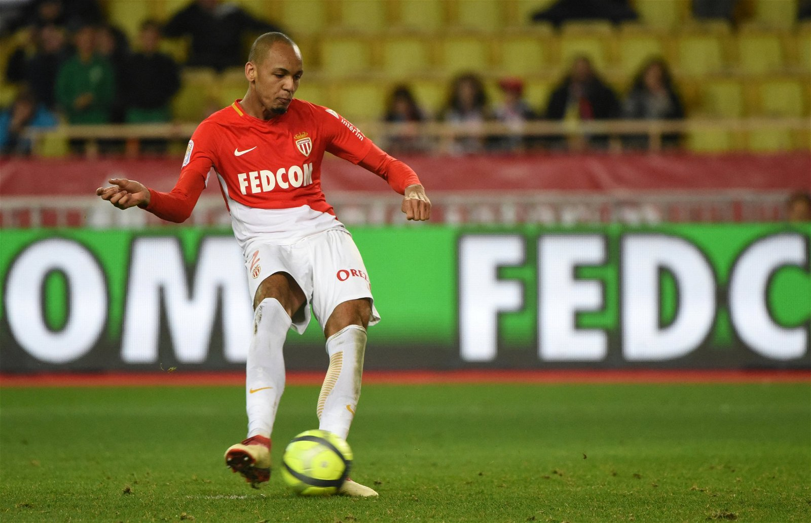 Fabinho takes a free kick for Monaco