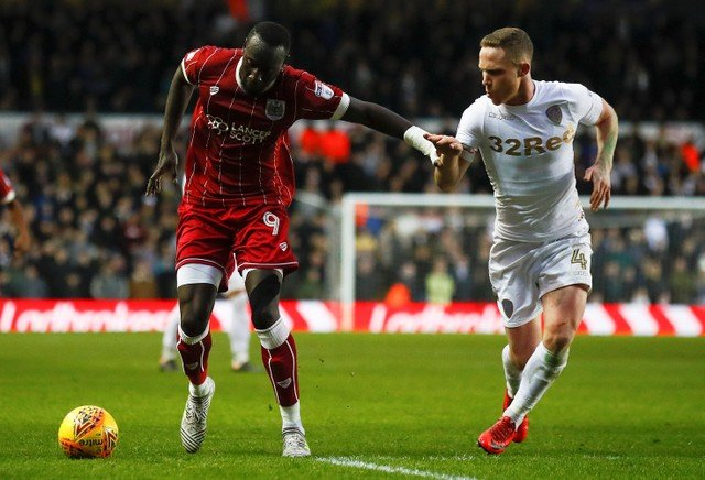 Leeds United fans urge Bielsa to bring Forshaw back into the team