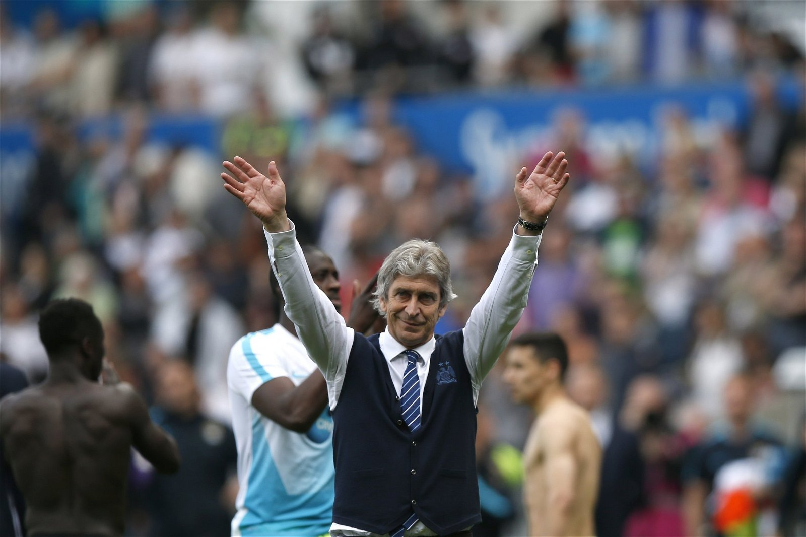 Manuel Pellegrini says goodbye to Manchester City fans