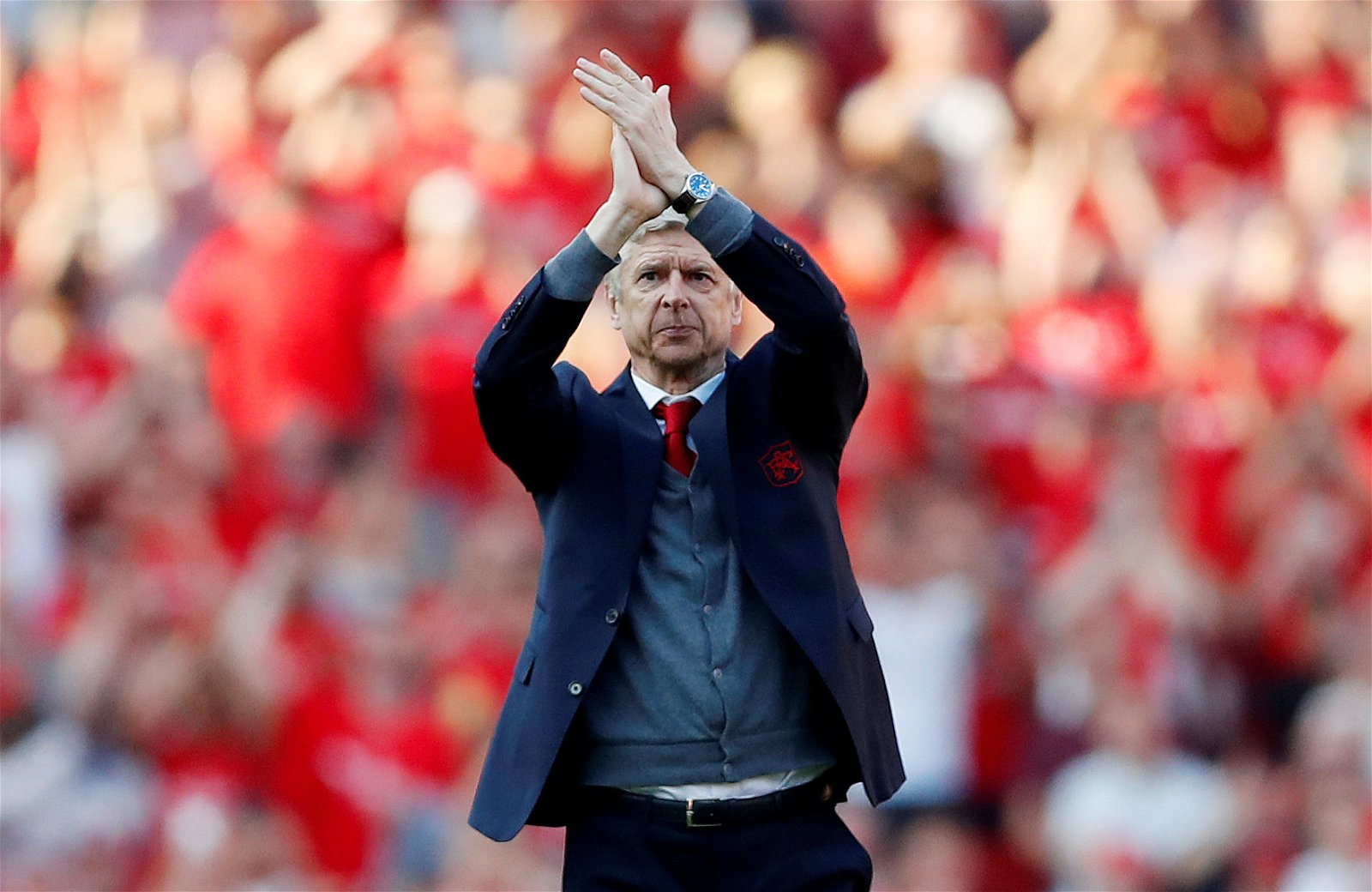 Arsenal manager Arsene Wenger says goodbye to the Emirates