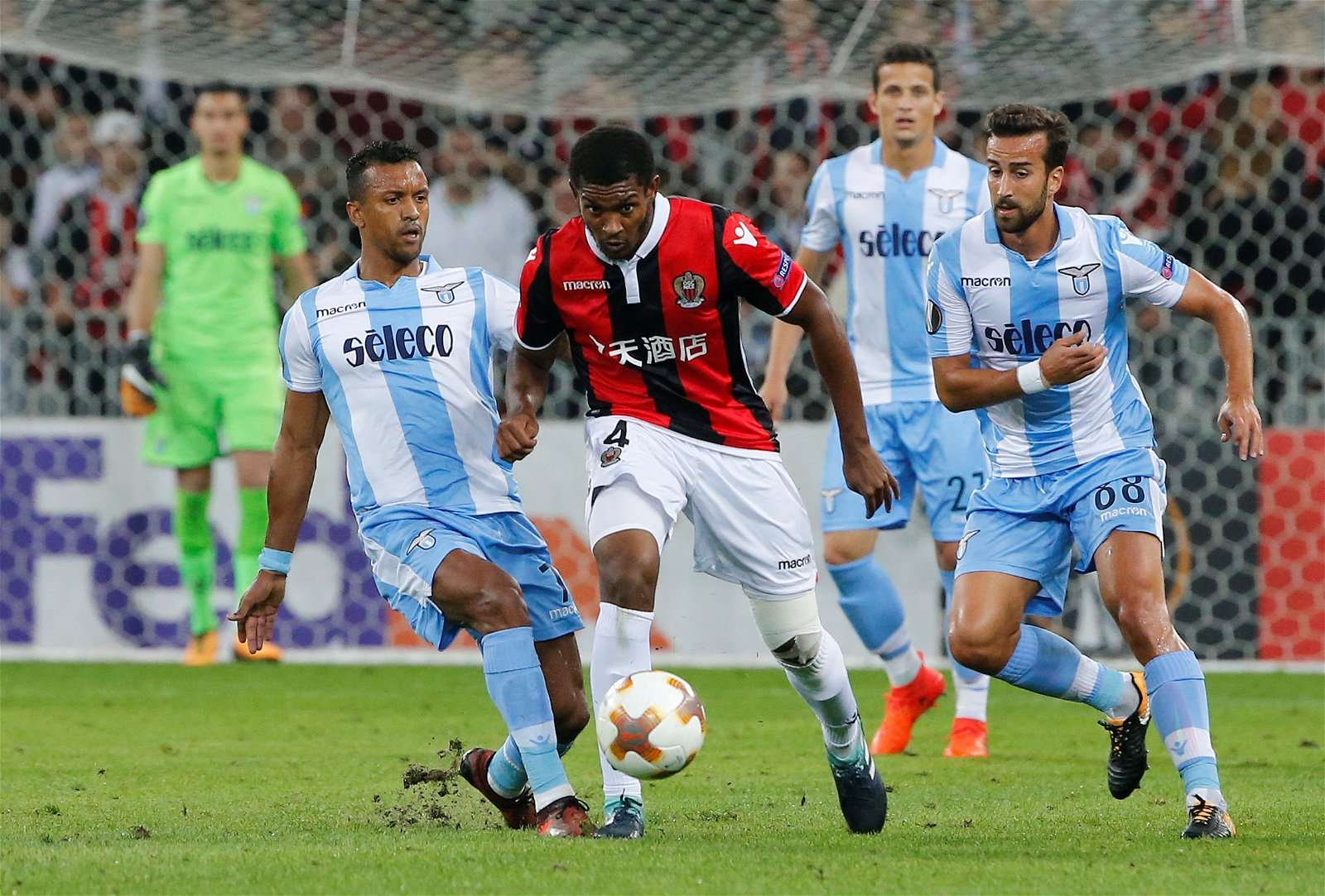 Marlon in action for Nice