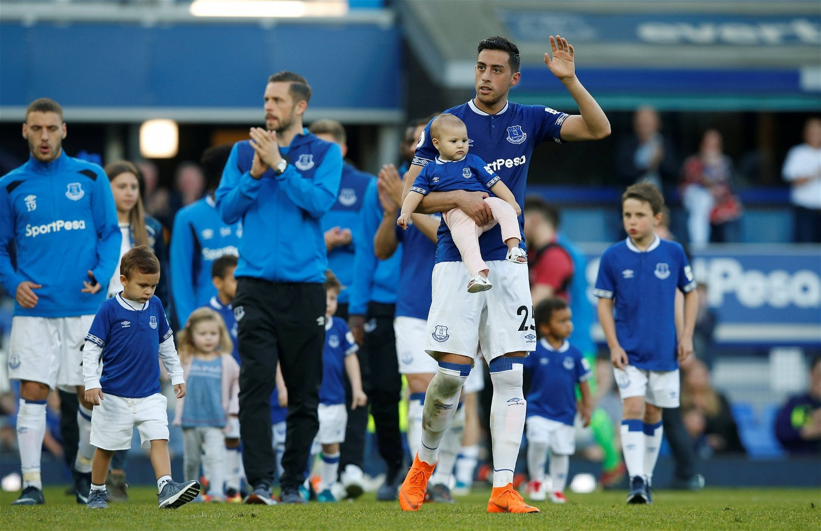 Ramiro Funes Mori waves to the Goodison Park crowd