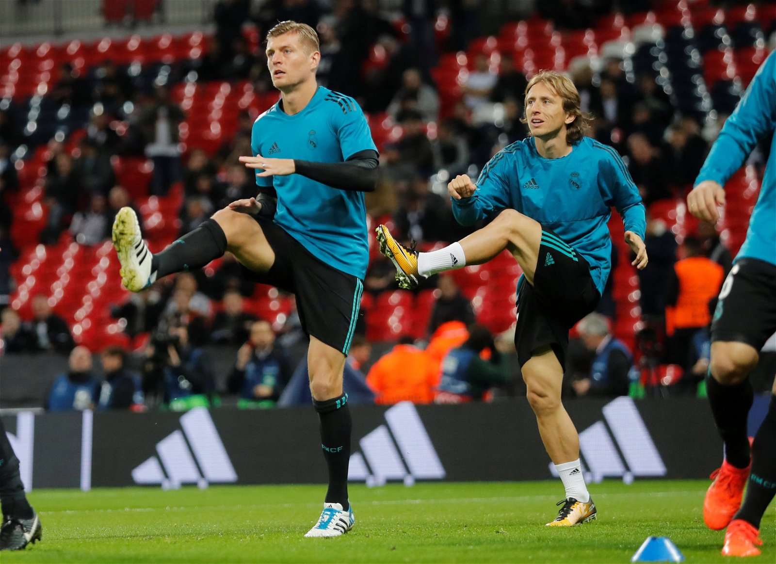 Toni Kroos and Luka Modric warm up