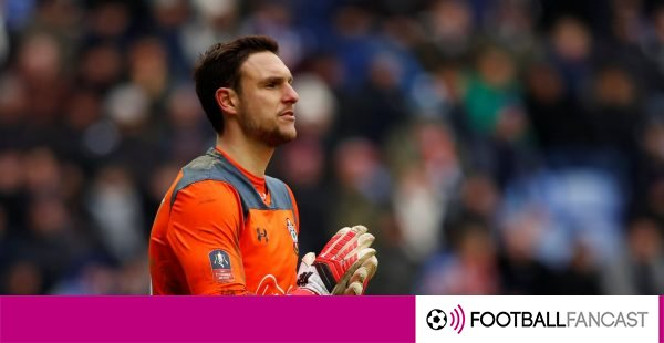 Alex-mccarthy-in-action-for-southampton-600x310