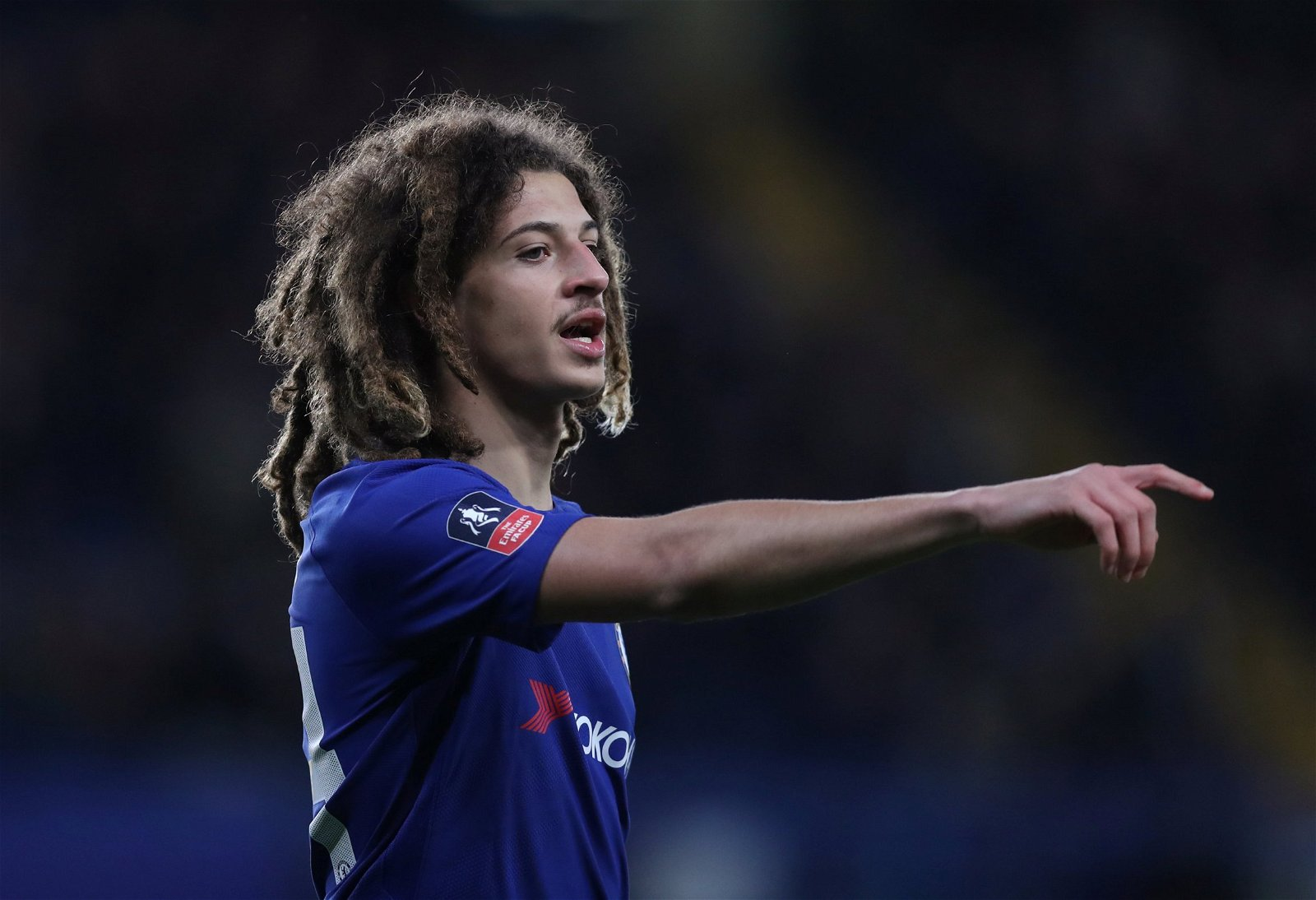 Ethan Ampadu gives out instructions