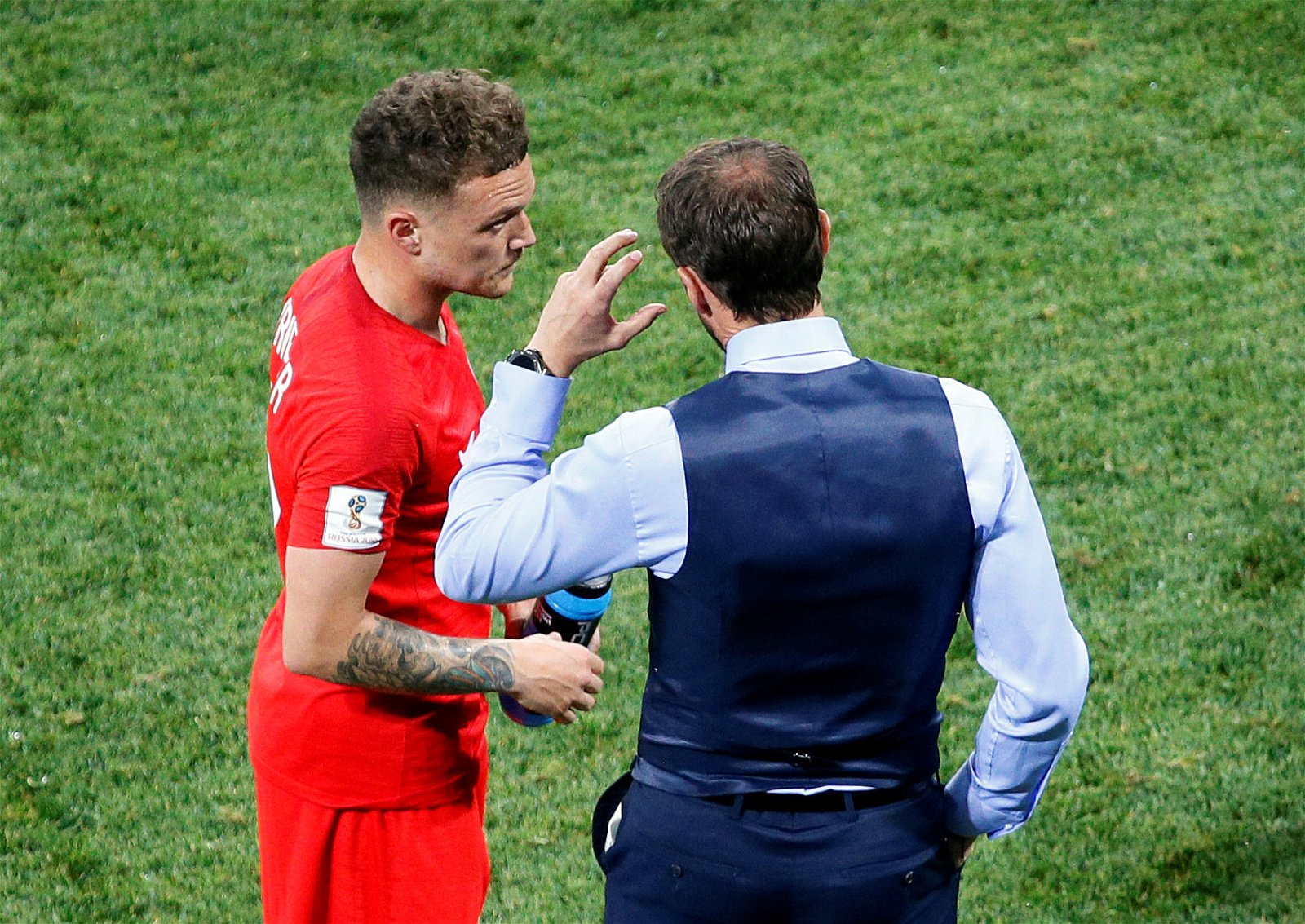Gareth Southgate gives instructions to Kieran Trippier versus Tunisia
