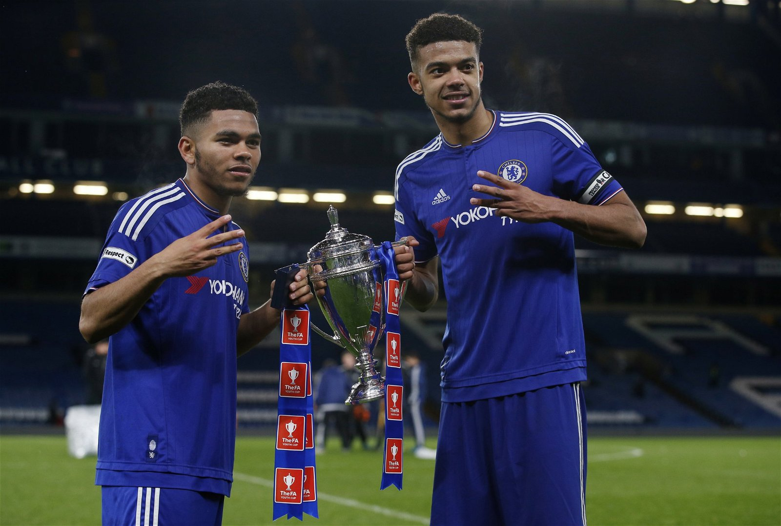 Jay Dasilva lifts the FA Youth Cup
