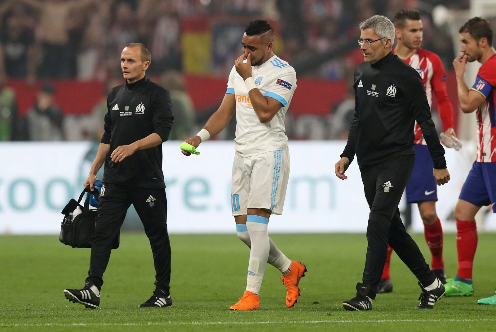 Dimitri Payet leaves the field in tears