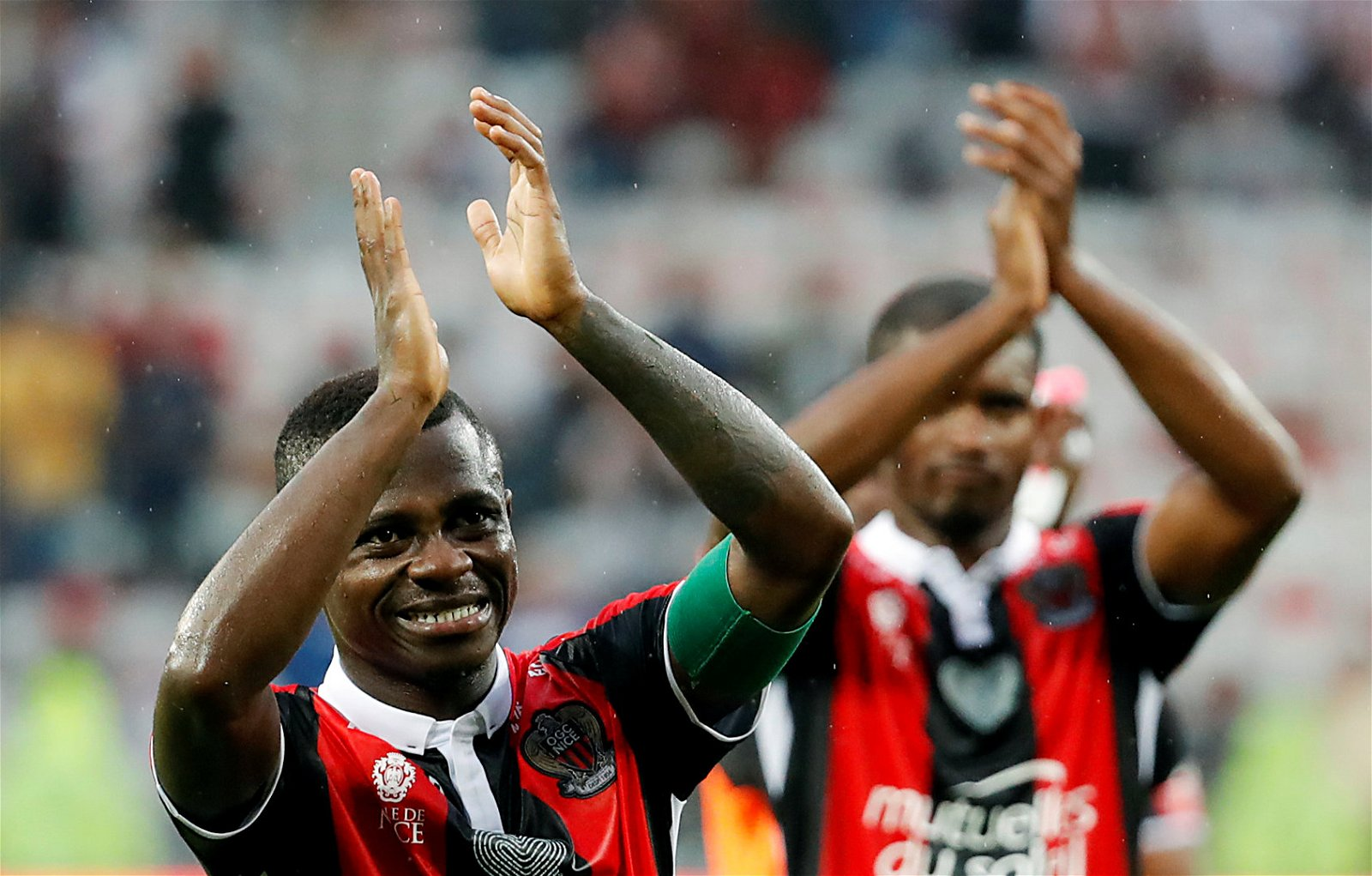 Jean Michael Seri celebrates for Nice