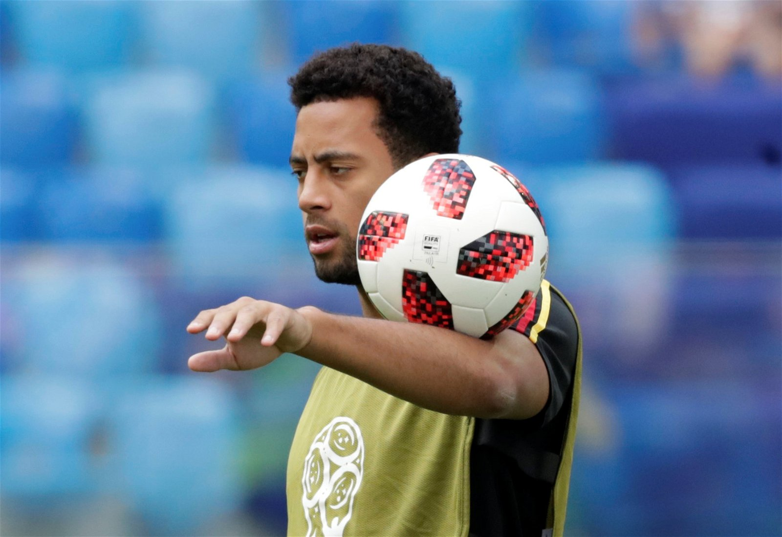 Mousa Dembele warming up at the World Cup