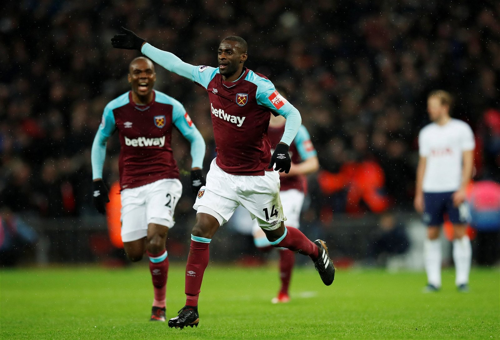 Pedro Obiang celebrates scoring against Tottenham