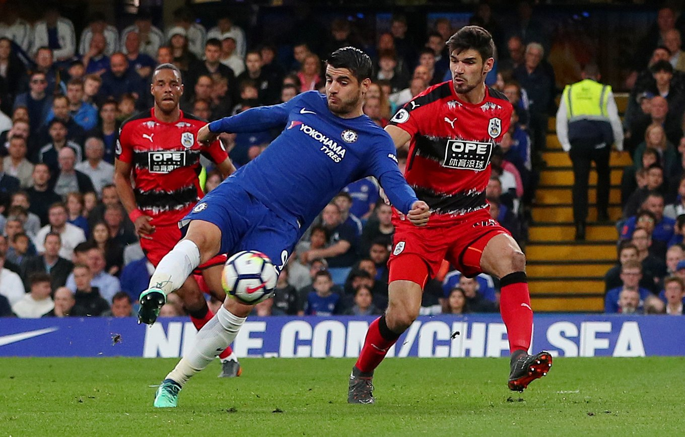 Alvaro Morata takes a shot against Huddersfield