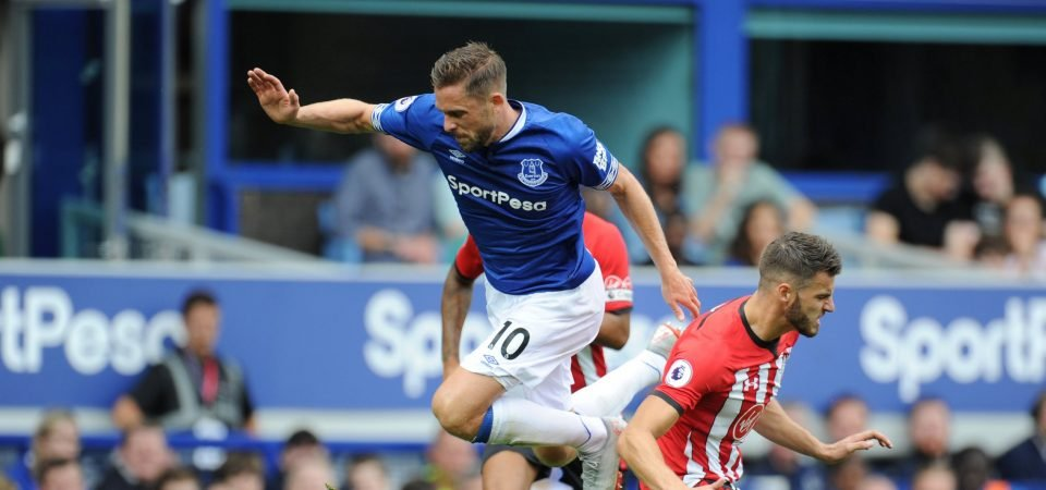 Everton fans can't decide what to do with Sigurdsson