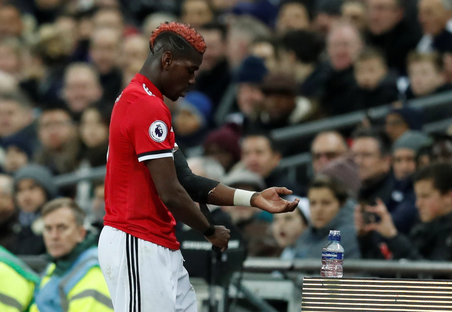 Paul Pogba is subbed off by Jose Mourinho