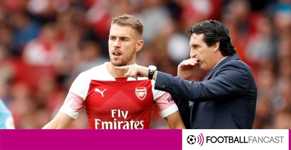 Unai-emery-gives-instructions-to-aaron-ramsey-600x310