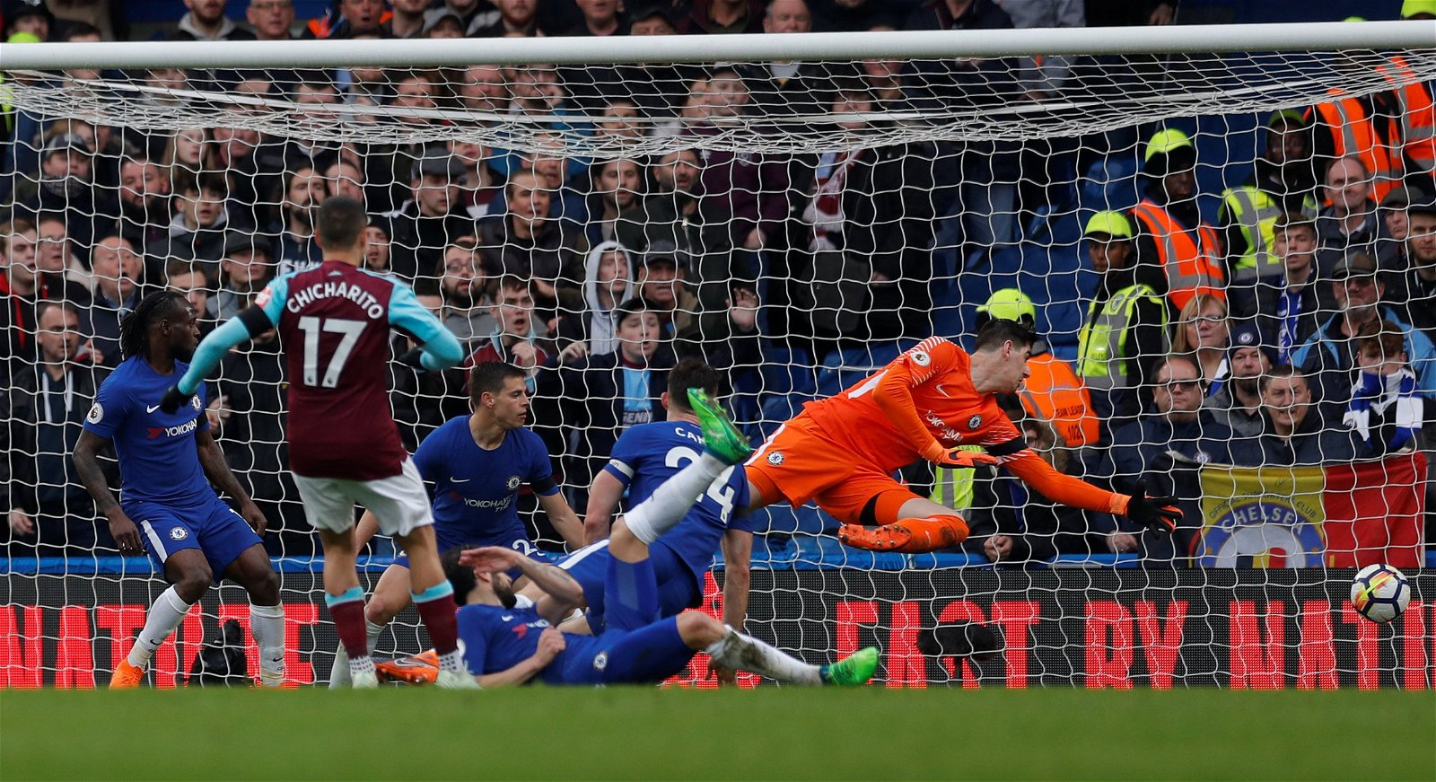 The Strike: Javier Hernandez's last goal against Chelsea proves why he should be paired with Arnautovic