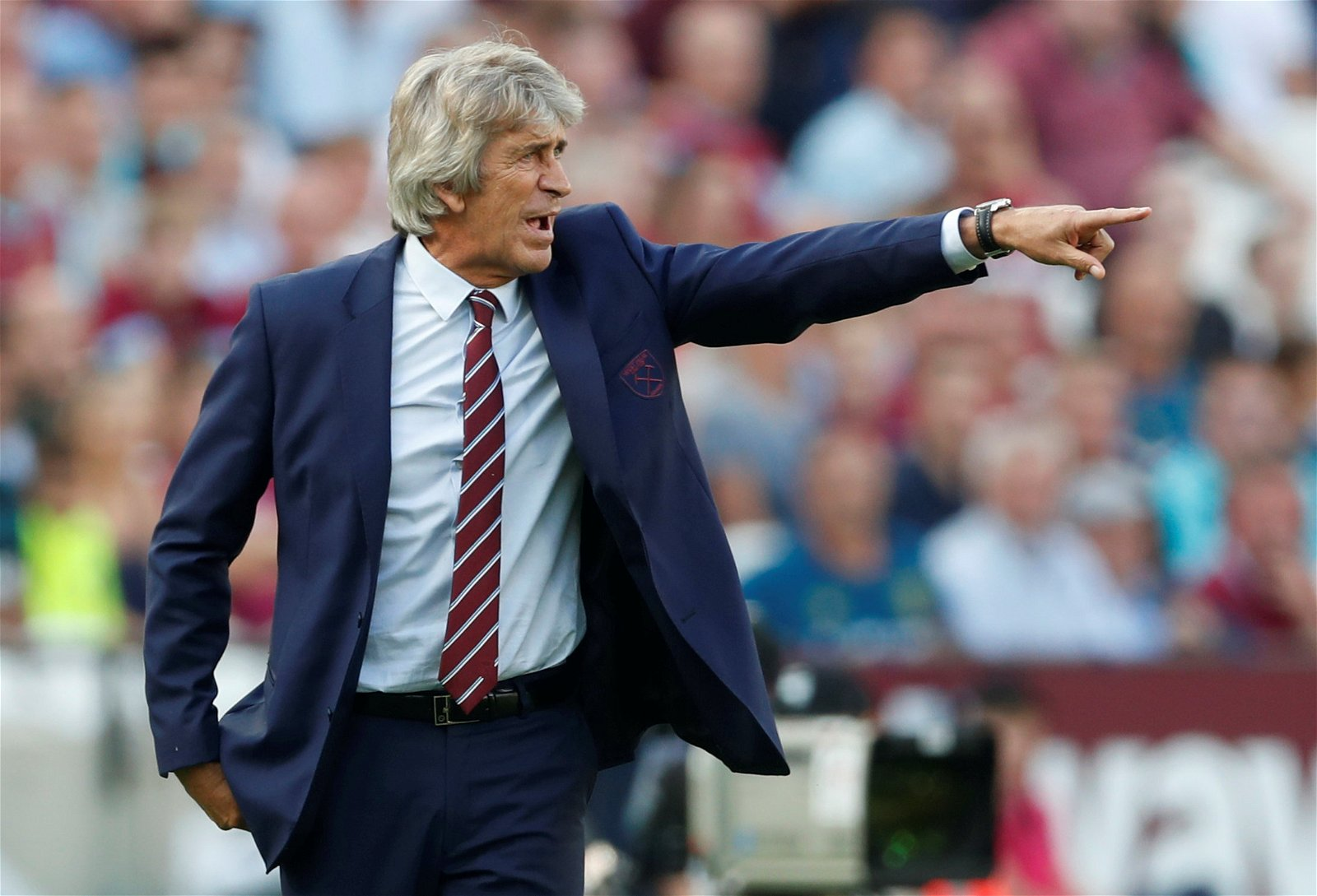 Manuel Pellegrini shouts orders from the touchline during West Ham United v Wolverhampton Wanderers
