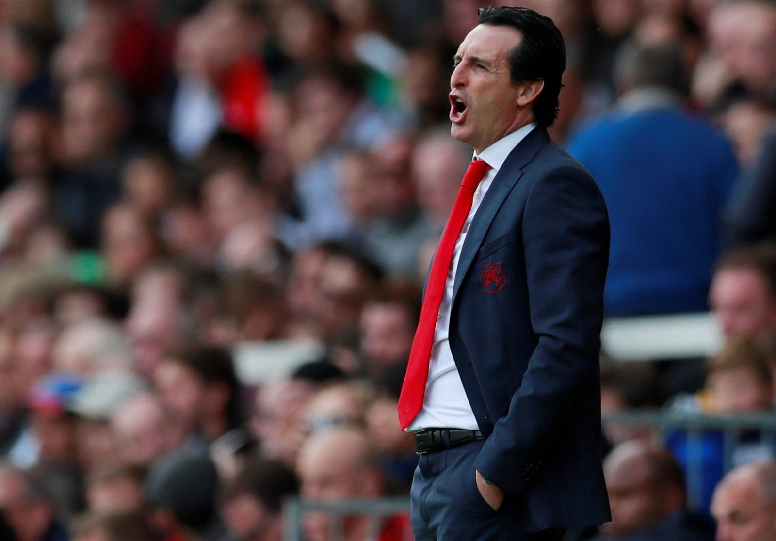 Unai Emery on the touchline vs Fulham