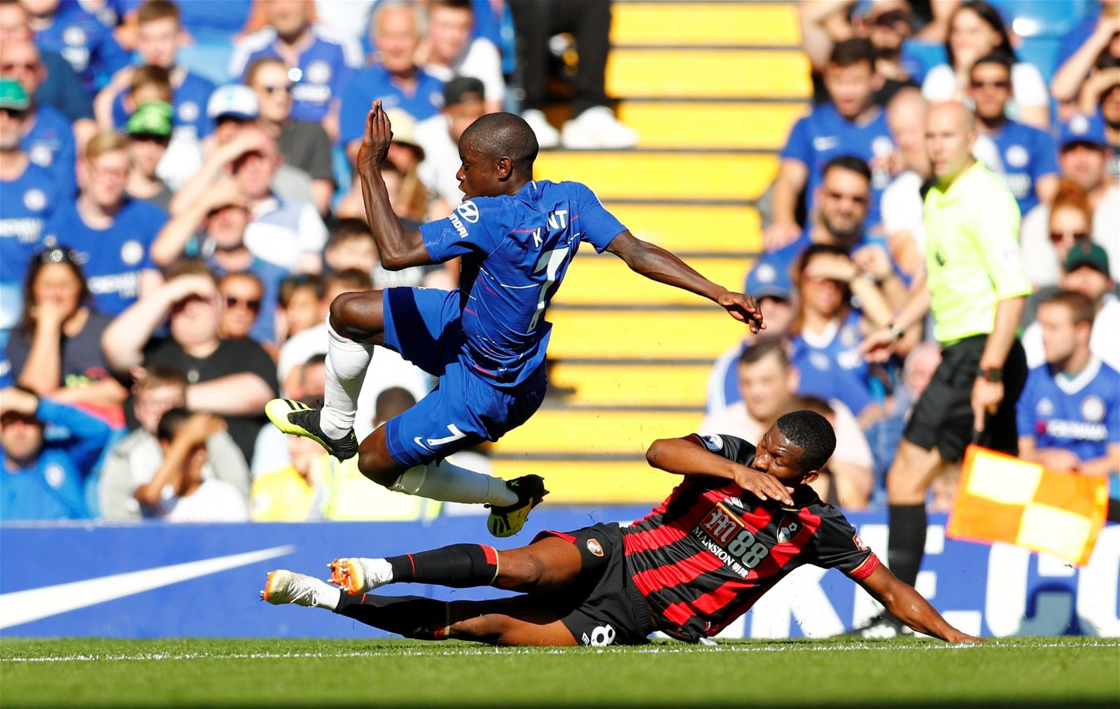 Bournemouth's Jefferson Lerma slides in on Chelsea's N'Golo Kante