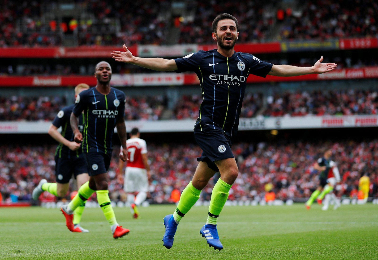 Manchester City - Bernardo Silva scores vs Arsenal