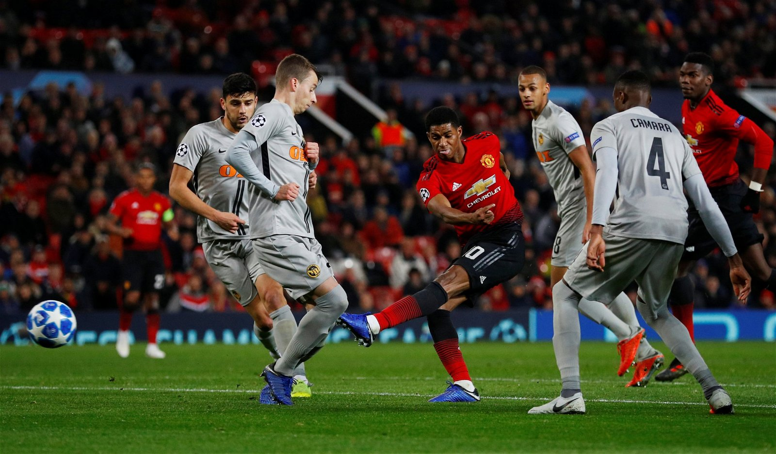 Manchester United's Marcus Rashford shoots at goal v BSC Young Boys