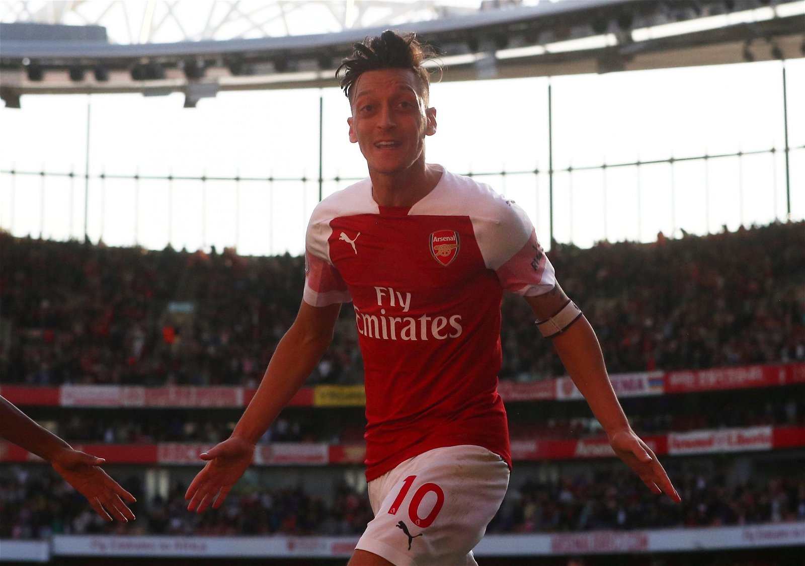Why Arsenal's Mesut Ozil isn't fit to lace David Silva's boots