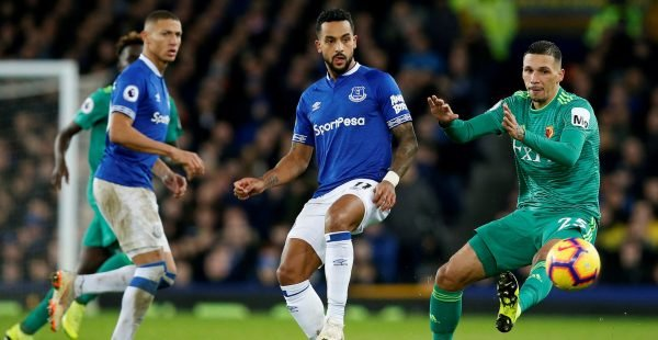 Everton-winger-theo-walcott-in-action-with-watfords-jose-holebas-e1544621173910-600x310