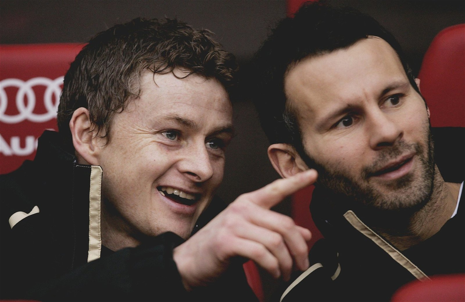 Ole Gunnar Solskjaer on the bench with Ryan Giggs