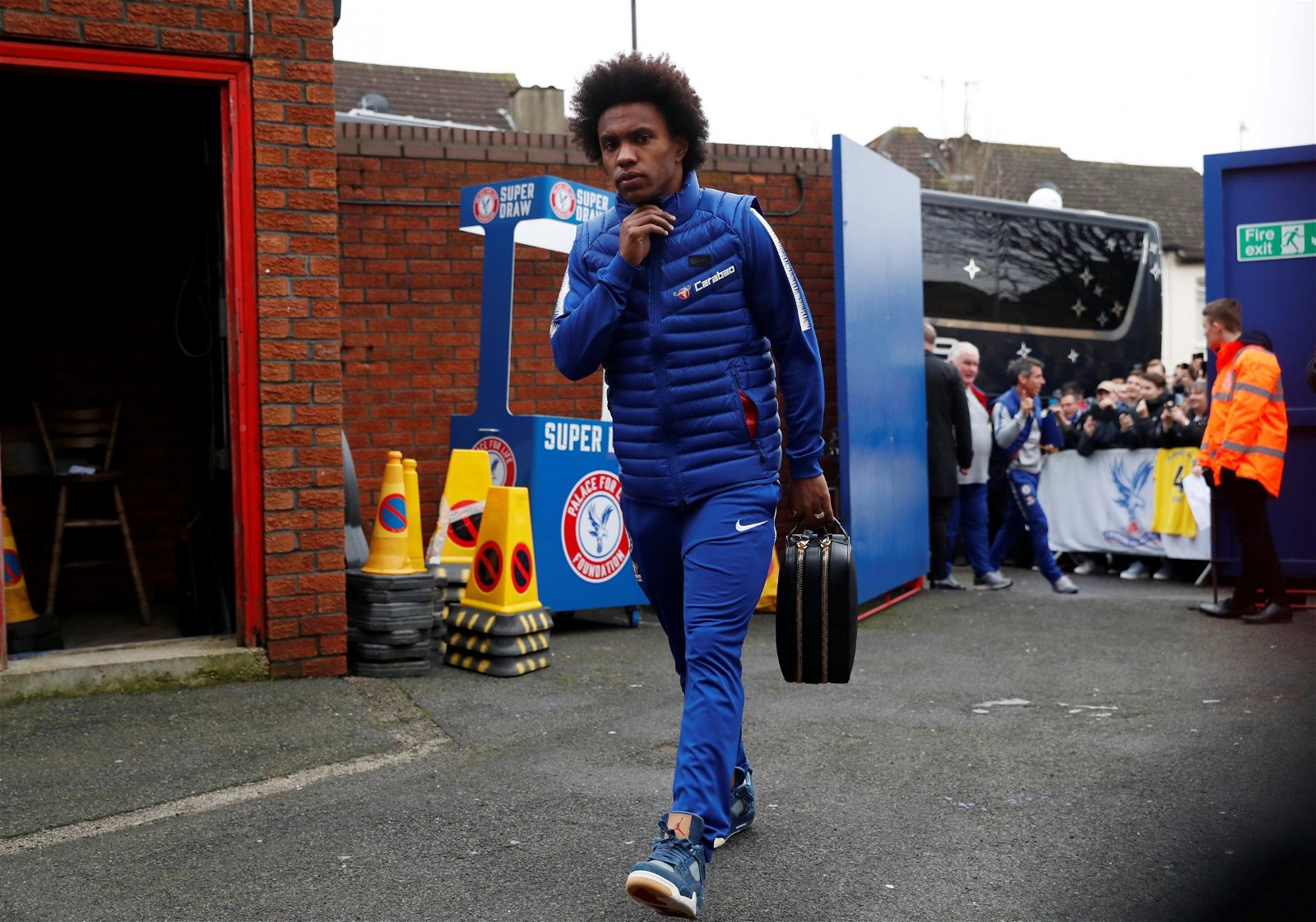 Chelseas Willian arrives at Selhurst Park before the Crystal Palace match - Sarri-ball takes off, farewell Willian: Potential consequences if attacker commits to Chelsea