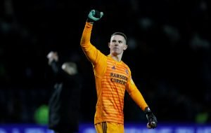 Manchester United's Dean Henderson set for new contract and loan move