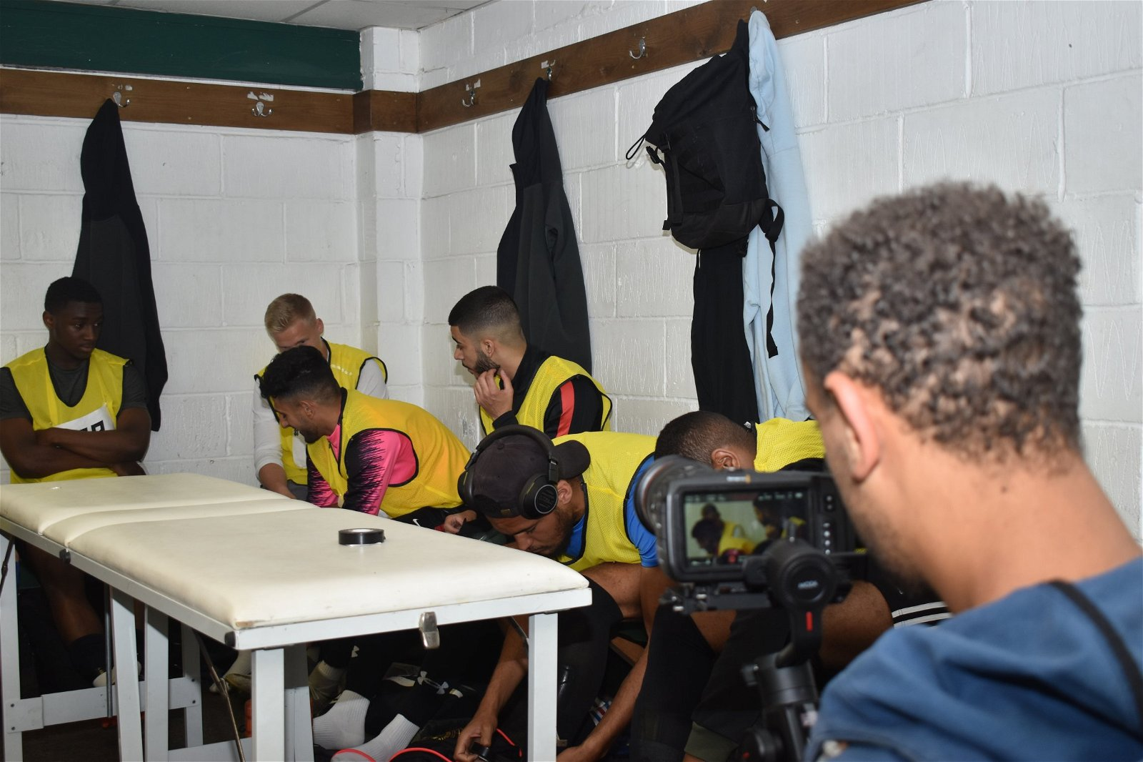 3 HASHTAG ACADEMY 5 boys wait in changing rooms - [Images] - Take a look at the best photos from the third day of the Hashtag Academy!