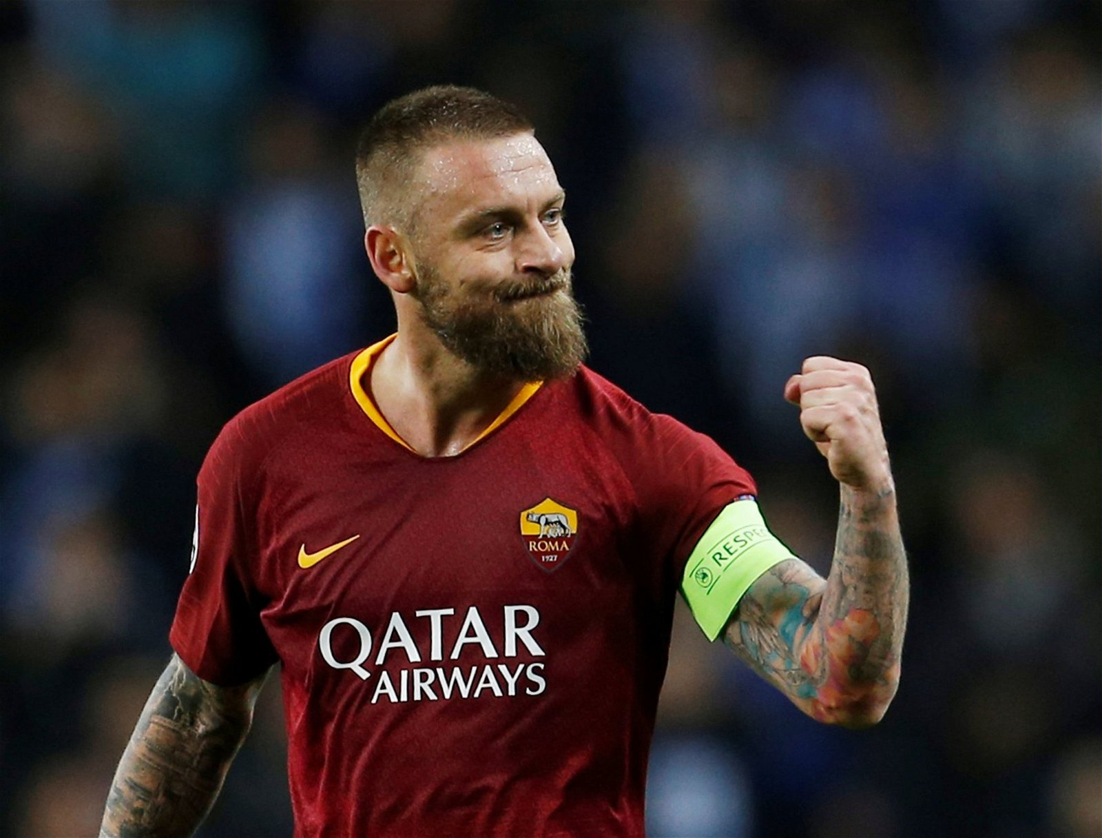 """De Rossi in action against Porto - """"He's got everything"""", """"Incredible natural physique"""": Gushing endorsements for Tottenham target"""