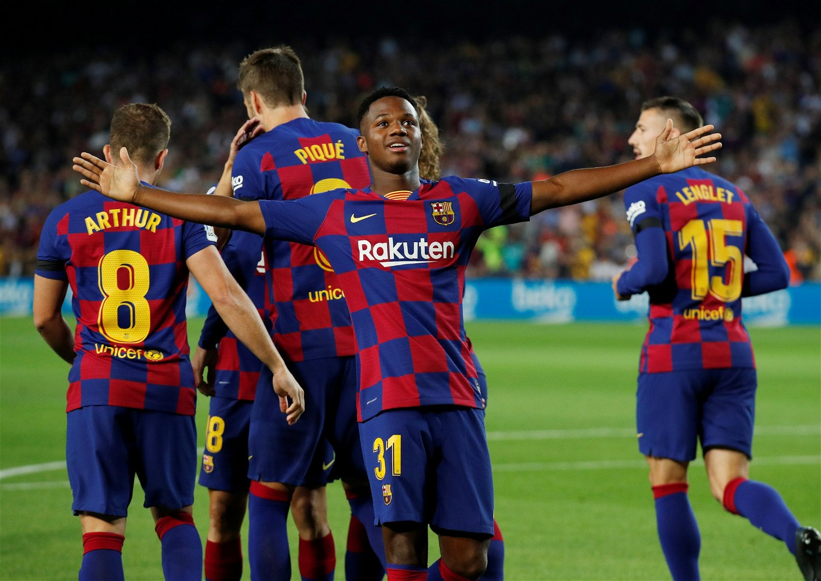 2019 09 14T191141Z 157269303 RC19F1BD6CC0 RTRMADP 3 SOCCER SPAIN FCB VAL REPORT - West Ham Roundup: Bullard excited, Redknapp has high hopes, Wonderkid was targeted