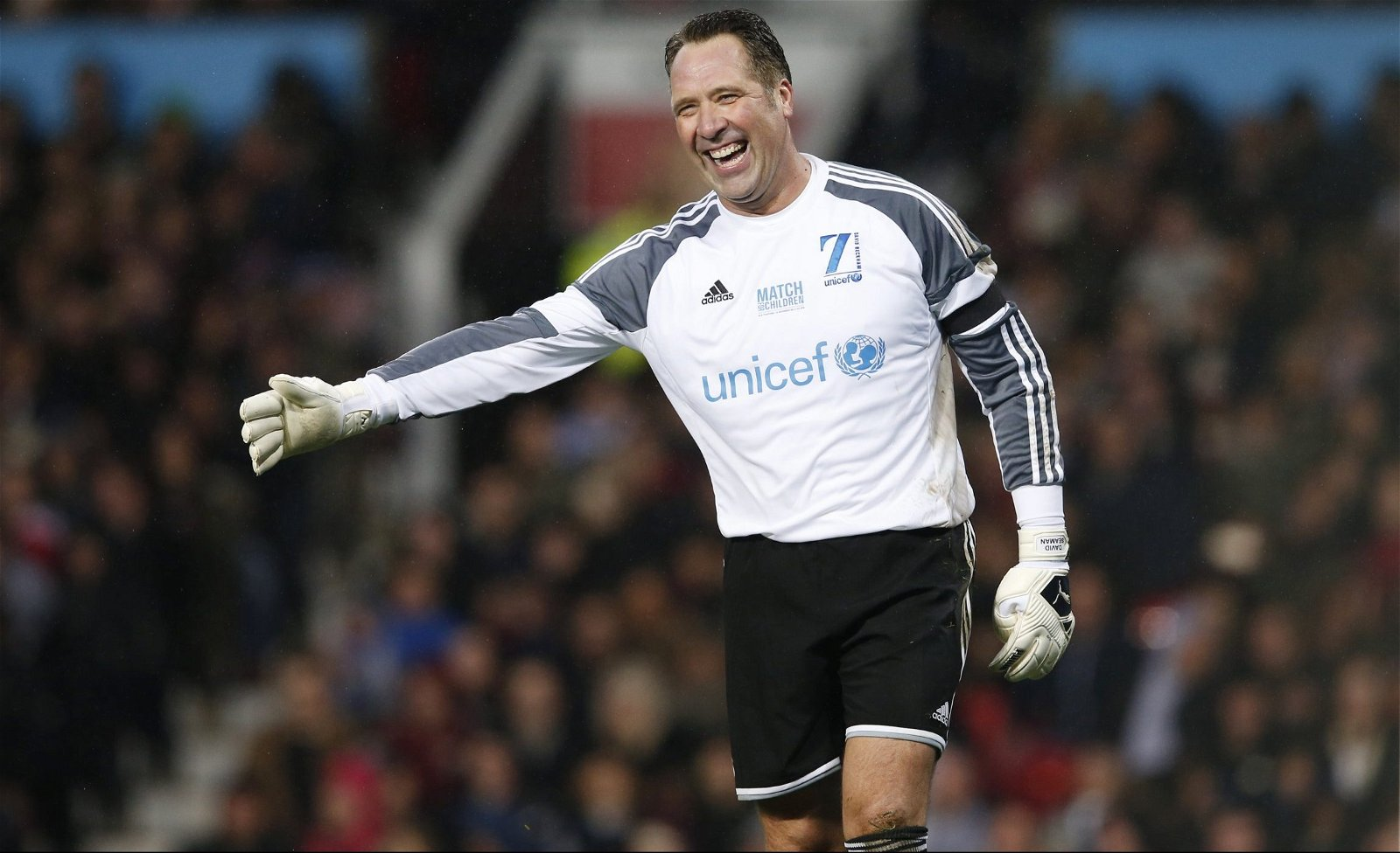 Hashtag United Wall of Fame: Arsenal and England legend David Seaman