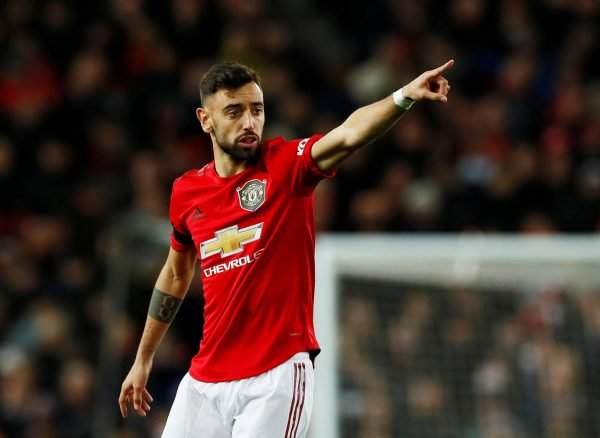 Bruno Fernandes pointing