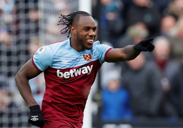 Michail Antonio's Twitter post featuring a Spurs man got these WHUFC fans talking
