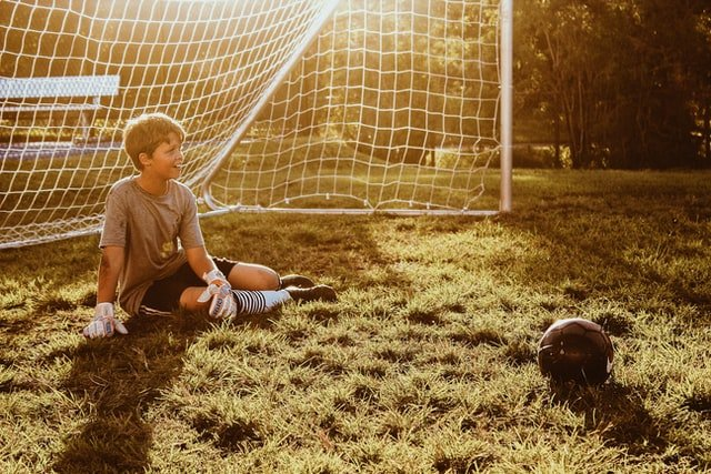 Five Gifts To Buy For Football Loving Teenagers