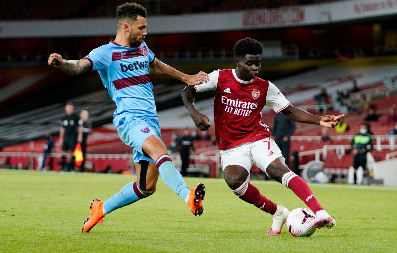 west ham defender ryan fredericks vs bukayo saka arsenal premier league e1602667683617 - Sold by Poch for £175k, now has 45 PL apps: Spurs could've saved millions this summer - opinion