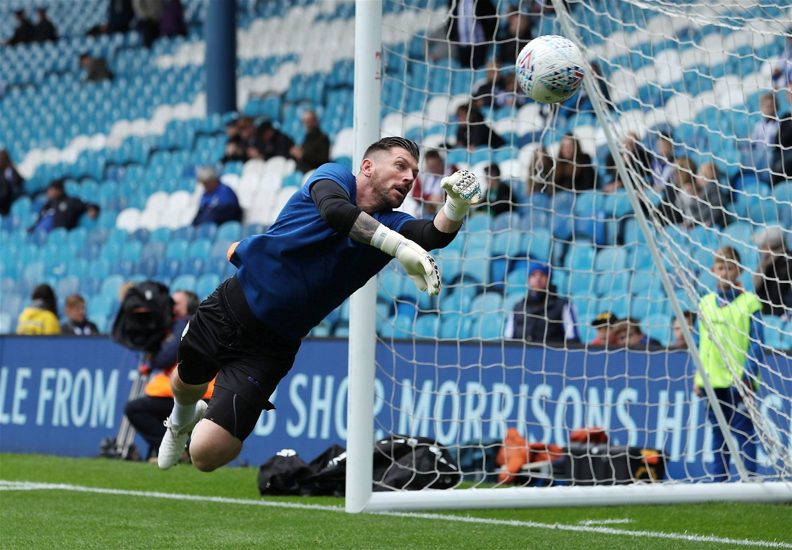 "owls goalkeeper keiren westwood warm up - Exclusive: Kirkland urges Monk to act ""now"" amid ""big problems behind the scenes"" at Sheff Weds"